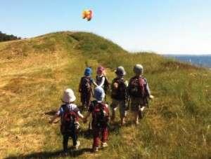 Områdets børnehaver gør meget for at inddrage naturen, og Børnene bruger mange timer på at udforske og opdage..